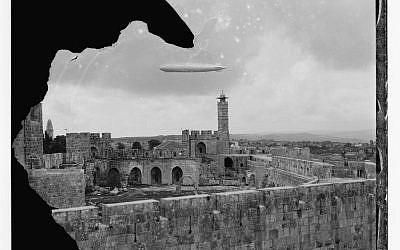 Above and main image: The Graf Zeppelin flies over the Tower of David in Jerusalem in April 1931 (courtesy of the American Colony Photo-Dept. Collection: G. Eric and Edith Matson Photograph Collection, Prints and Photographs Division, LOC, Washington, DC)