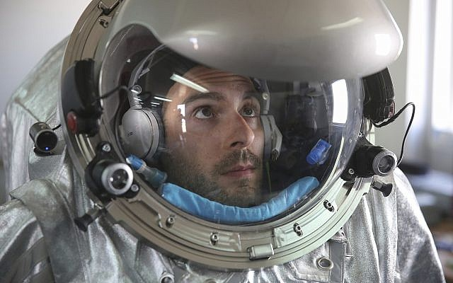 João Lousada, a flight controller for the International Space Station, wears an experimental space suit during a simulation of a future Mars mission in the Dhofar desert of southern Oman, February 8, 2018. (AP Photo/Sam McNeil)