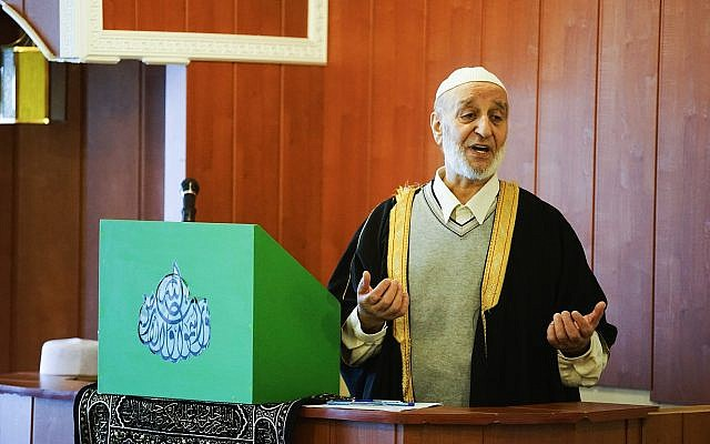Imam Salmann Tamimi addresses the congregation at the Reykjavík Mosque  in Iceland during Friday midday prayers, February 23, 2018.  (AP Photos/Egill Bjarnason)