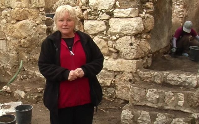 Archaeologist Eilat Mazar in the 2018 winter Ophel Excavations in Jerusalem. (YouTube screenshot)