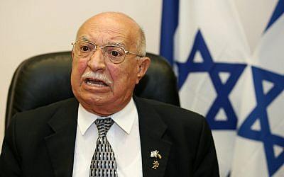 Then health minister Yaakov Ben-Yezri speaks to journalists outside his office in Jerusalem on June 2, 2008. (Kobi Gideon / FLASH90)
