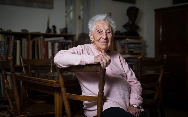 Alice Shalvi, Israeli professor and educator, poses for a photo at her home in Jerusalem on March 14, 2016. (Yonatan Sindel/Flash90)