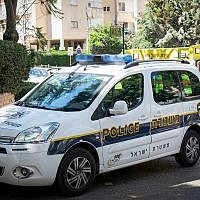 Illustrative: An Israeli police car (Roy Alima/ Flash90)