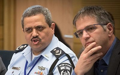 Police Commissioner Roni Alsheikh (L) and Likud MK Yoav Kisch at the Knesset Internal Affairs Committee, February 5, 2018. (Miriam Alster/Flash90)