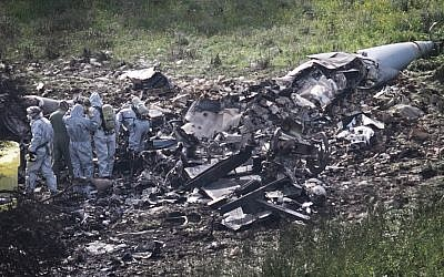 View of the remains of an F-16 plane that crashed near Kibbutz Harduf on February 10, 2018. (Anat Hermony/Flash90)