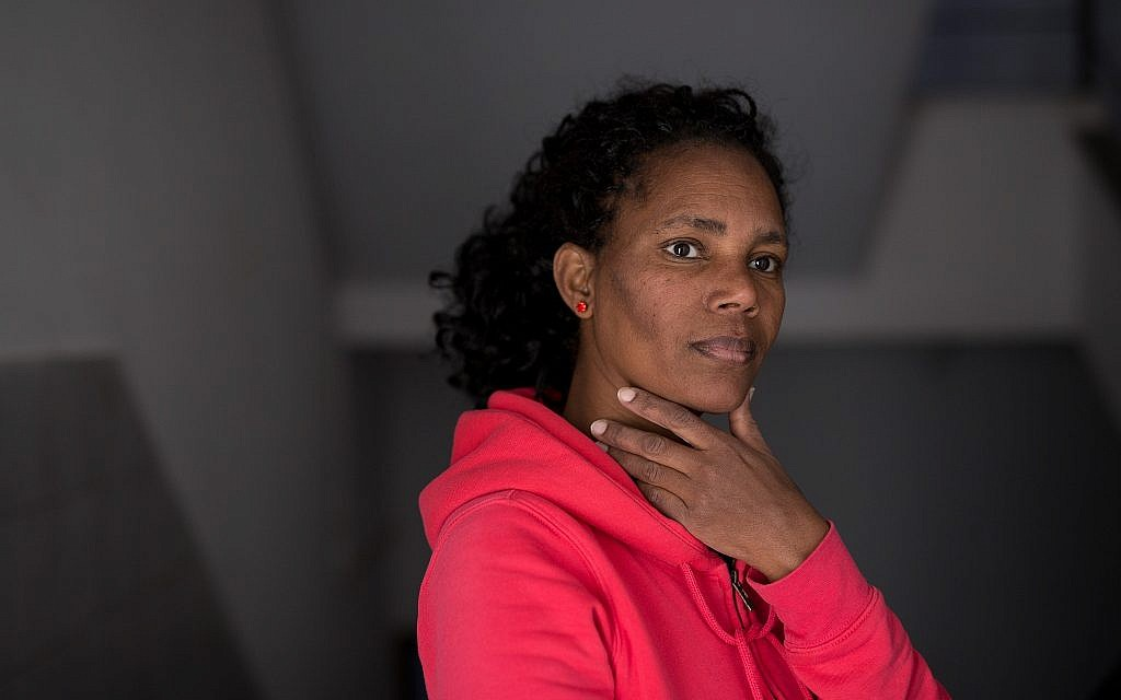 Hewan, an asylum seeker who works with Kucinate - African Refugee Women's Collective, in Tel Aviv on February 14, 2018. (Miriam Alster/Flash90)