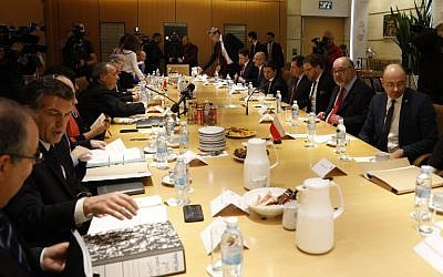 Members of Israeli and Polish delegations attend a special dialogue at the foreign ministry in Jerusalem on March 1, 2018, regarding the Polish controversial Holocaust law. (Gali Tibbon/AFP)
