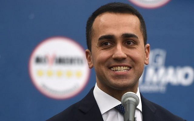 Italy's populist Five Star Movement (M5S) party leader Luigi Di Maio, addresses journalists a day after Italy's general elections, on March 5, 2018 in Rome. (AFP PHOTO / Filippo MONTEFORTE)