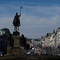 The Statue of Saint Wenceslas is pictured as people walk in the pedestrian zone at Wenceslas Square in Prague, on March 20, 2018. (AFP PHOTO / Michal CIZEK)