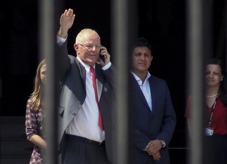 Peru Seeks to Ban Resigning President from Leaving the Country