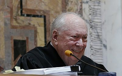 In this Sept. 8, 2014, file pool photo, Judge Stephen Reinhardt listens to arguments on gay marriage bans at the 9th US Circuit Court of Appeals in San Francisco. (AP/Jeff Chiu, Pool)