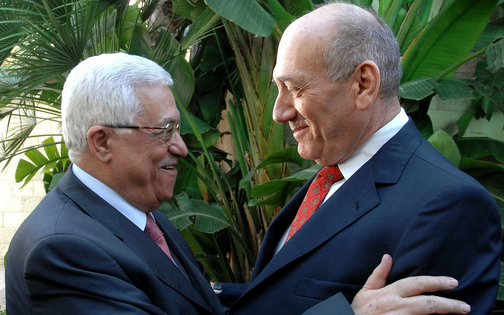 Then-Israeli PM Ehud Olmert meets with Palestinian President Mahmoud Abbas, in Jerusalem, on November 17, 2008. (Moshe Milner GPO/Flash90)