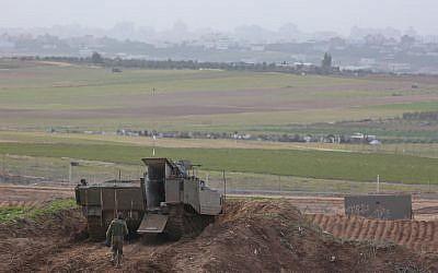 View of Gaza as seen from the southern Israeli border, January 23, 2018 (Yaakov Lederman/FLASH90)