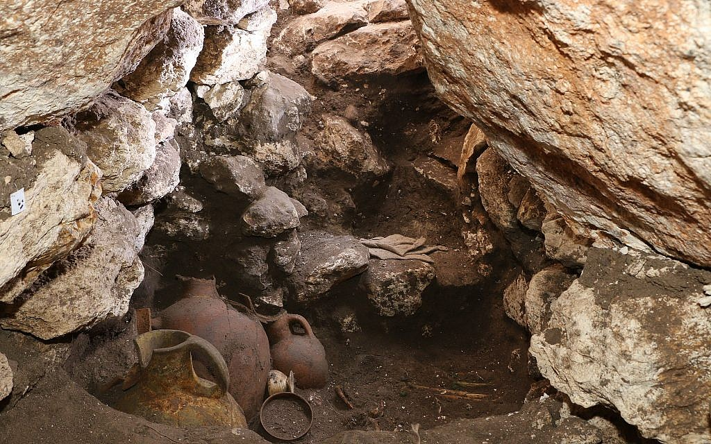 Residue found in 3,600-year-old Holy Land tomb rewrites the history of vanilla