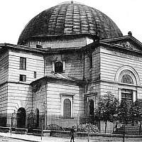 A view of the Temple Synagogue in Lviv, Ukraine in the early 20th century. (CC BY-SA Wikimedia Commons)