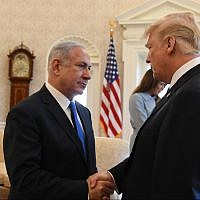 Prime Minister Benjamin Netanyahu (left) and US President Donald Trump in the White House Oval Office, March 5, 2018 (Haim Tzach/GPO)