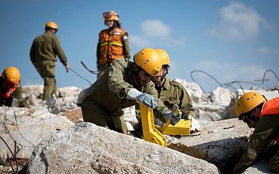 Soldiers from the IDF's Homefront Command perform search and rescue exercises during a nationwide, week-long, emergency preparedness drill in March 2018. (Israel Defense Forces)