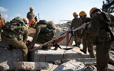 Soldiers from the IDF's Home Front Command perform search and rescue exercises during a nationwide, week-long, emergency preparedness drill in March 2018. (Israel Defense Forces)