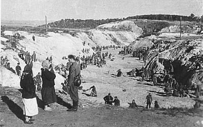 Aftermath of the Babi Yar ravine massacre in Kiev, Ukraine, during which 33,000 Jews were murdered between Sept. 29-30, 1941. (public domain)