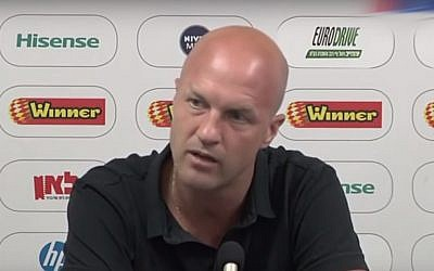 Jordi Cruyff, the Dutch boss of Maccabi Tel Aviv, who is to step down at the end of the current season, March 2018. (YouTube screenshot)
