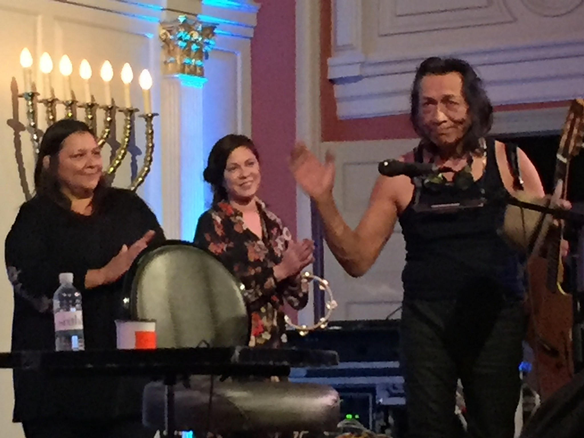 Down The Street From Aipac Sugar Man Rodriguez Plays A Shul
