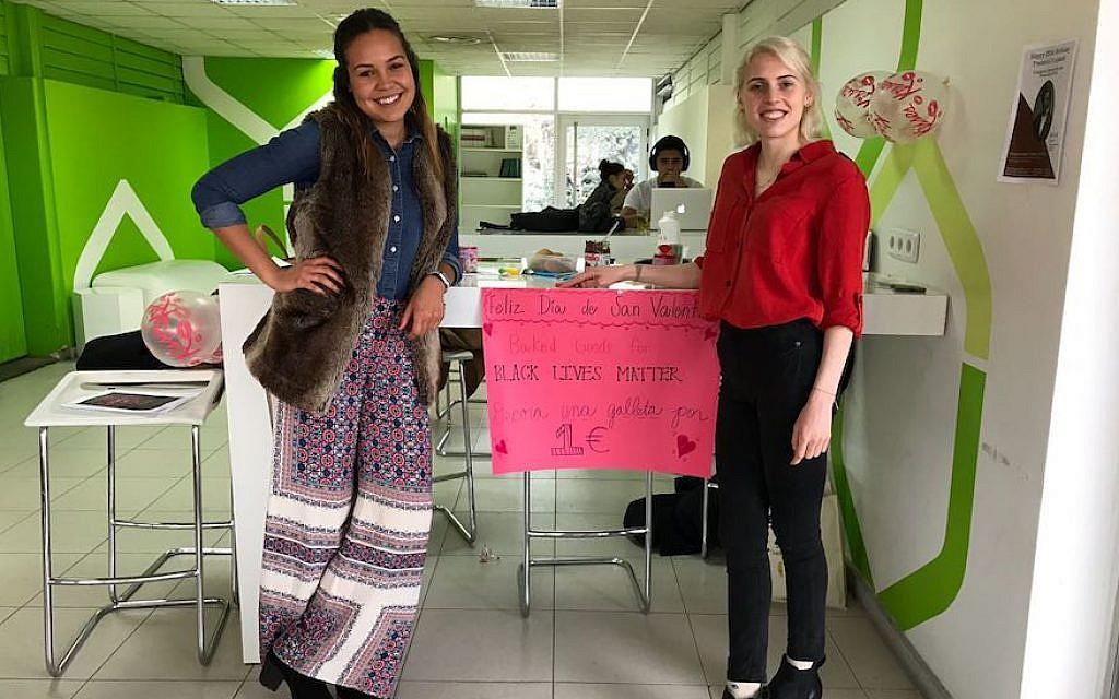 Fulbright scholars McCall Wells, left, and Danielle Elliott are organizing an interfaith seder at the Universidad Camilo José Cela in Villafranca del Castillo, Spain. (Melissa Marazas/via JTA)