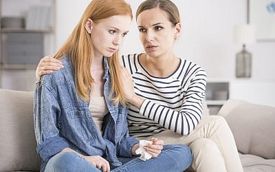 Illustrative: Parent and teen in conversation. (iStock)