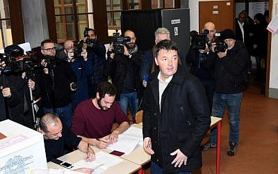 Former Prime Minister and leader of the Democratic Party (PD), Matteo Renzi, arrives to vote on March 4, 2018 at a polling station in Florence. (AFP PHOTO / Claudio GIOVANNINI)