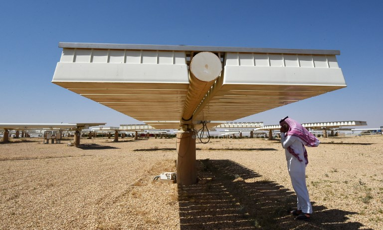 Saudi Arabia announces plans for enormous solar power plant