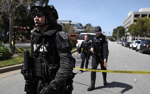 Law enforcement stands watch outside of the YouTube headquarters on April 3, 2018 in San Bruno, California. (Justin Sullivan/Getty Images/AFP)