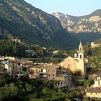 The town of Valldemossa, on the island of Mallorca, Spain seen on May 4, 2003. (CC BY-SA Wikimedia commons)