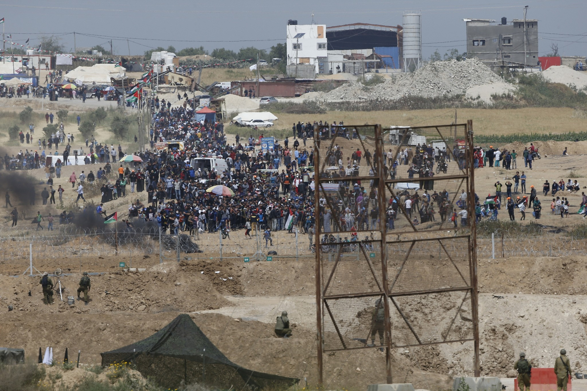 PA official: Egypt asked Hamas to stop Gaza protests ...