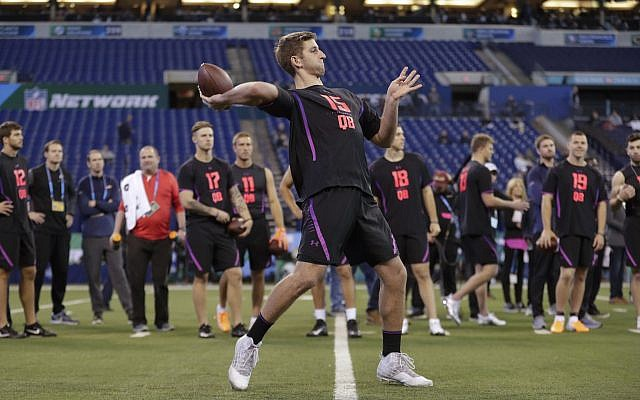 NFL Draft: Jets, Patriots both land their future QB in CBS mock