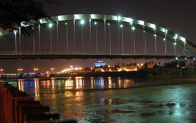 A view of the city of Ahvaz, Iran (CC BY Danial Chitnis/Wikimedia Commons)