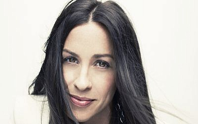 Alanis Morissette returns to Israel this summer for a one-night show at Live Park Rishon Courtesy Williams Hirakawa)
