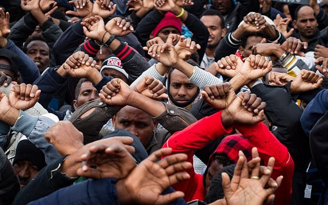 African migrants gather during a protest outside the Knesset in the Rose Garden in Jerusalem on January 26, 2017. (Sebi Berens/Flash90)