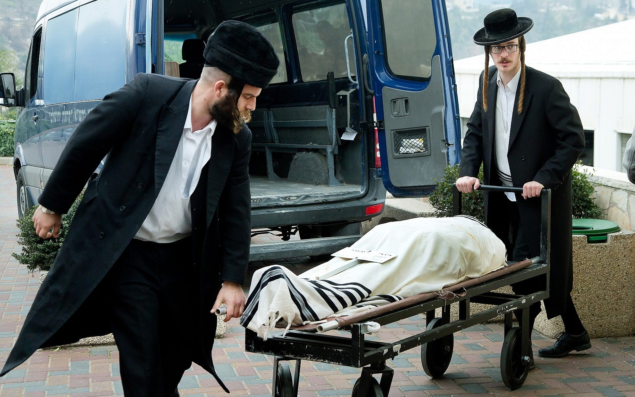 UK High Court orders London coroner to prioritize Jewish