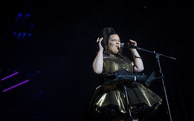 "Netta, the Israeli contestent in the Eurovision 2018 song contest, performs at ""Israel Calling"" concert, on Rabin square in Tel Aviv, on April 10, 2018. (Miriam Alster/FLASH90)"