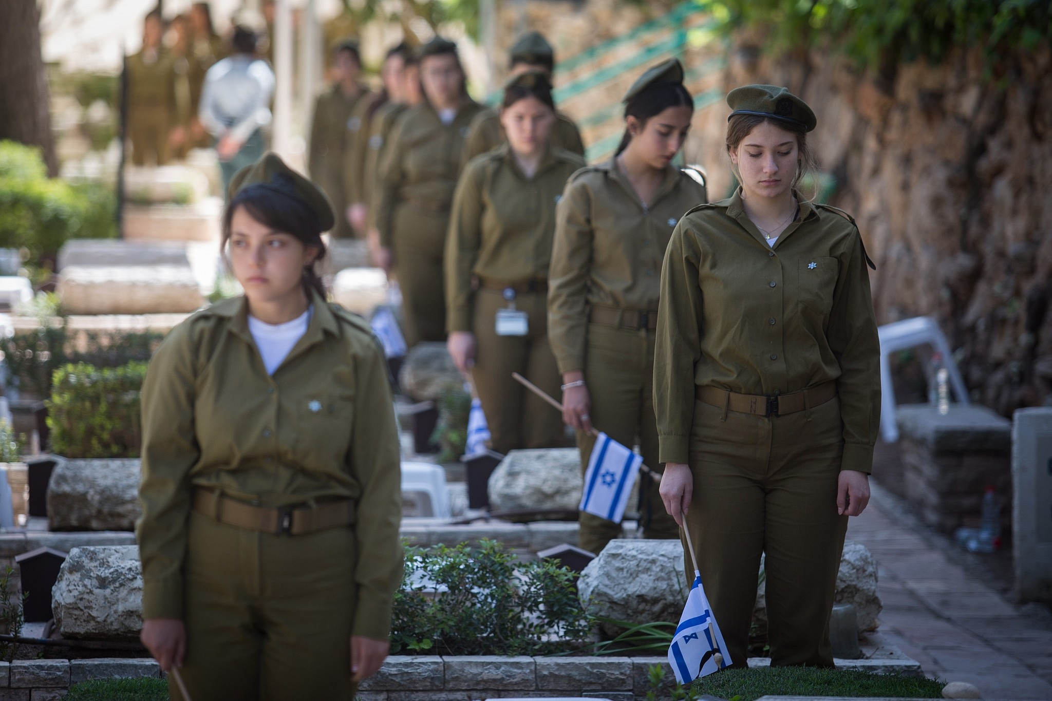 Israelis and Palestinians hold controversial alternative Memorial Day ceremony