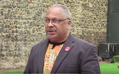 Former Labour activist Marc Wadsworth speaks to the media after being expelled from the party on April 27, 2018. (screen capture: YouTube)