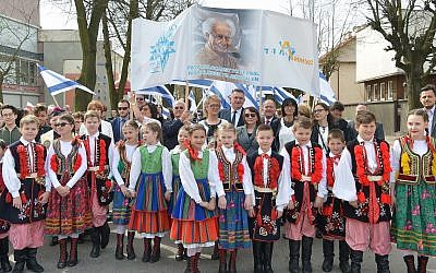 Polish residents of Plonsk, along with numerous dignitaries, gather in honor of Israel's 70th anniversary of independence, April 15, 2018. (Yossi Zeliger/Limmud FSU)