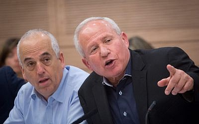 Chairman of the Foreign Affairs and Defense Committee, Avi Dichter, leads a committee meeting at the Knesset, on April 30, 2018. (Miriam Alster/Flash90)