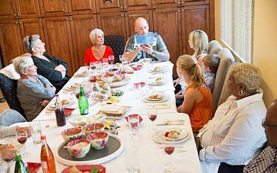 Illustrative: Multigenerational Passover seder. (iStock)