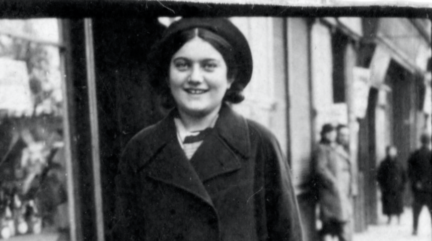 Diarist Renia Spiegel, who was murdered by the Nazis at the age of 18 in Przemysl, Poland (Courtesy: Renia Spiegel Foundation)
