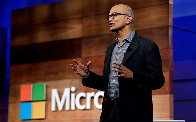 Microsoft CEO Satya Nadella speaks at the annual Microsoft shareholders meeting, Wednesday, Nov. 29, 2017, in Bellevue, Wash. (AP Photo/Elaine Thompson)