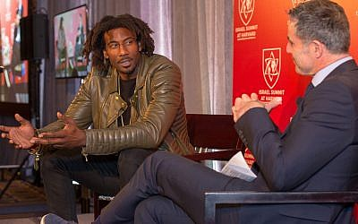 During the Israel Summit at Harvard, retired NBA All-Star Amar'e Stoudemire (left) is interviewed by HBO sports correspondent Jon Frankel, April 8, 2018 (courtesy: Max August)