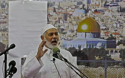 Hamas leader Ismail Haniyeh delivers a speech on the first Friday of the Muslim holy month of Ramadan on May 18, 2018, at al-Omary mosque in Gaza City. (AFP/Mohammed Abed)