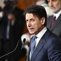 Italian lawyer Giuseppe Conte addresses journalists after a meeting with Italy's President Sergio Mattarella on May 23, 2018 at the Quirinale presidential palace in Rome. (AFP/Vincenzo Pinto)