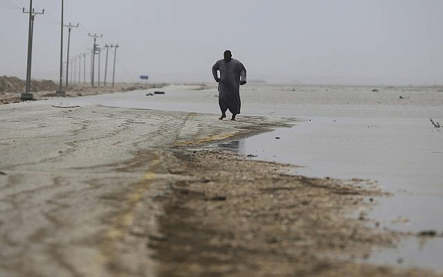 Powerful cyclone deluges Oman, Yemen