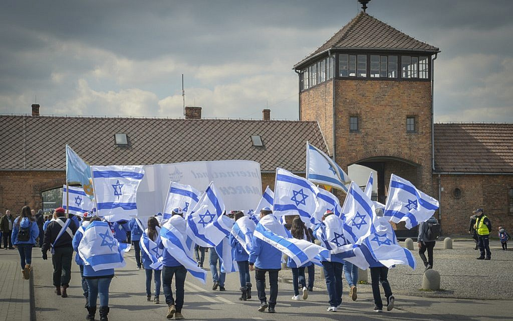 People from all over the world participating in the March of the Living at the Auschwitz-Birkenau camp site in Poland, as Israel marks annual Holocaust Memorial Day, on April 24, 2017. (Yossi Zeliger/Flash90)